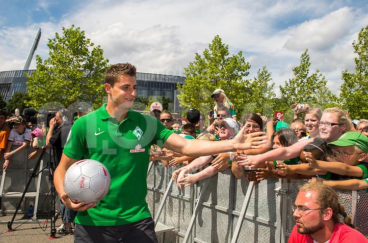 FUSSBALL   1. BUNDESLIGA   SAISON 2013/2014    Tag der Fans beim SV Werder Bremen     28.07.2013 Sebastian Mielitz (SV Werder Bremen)