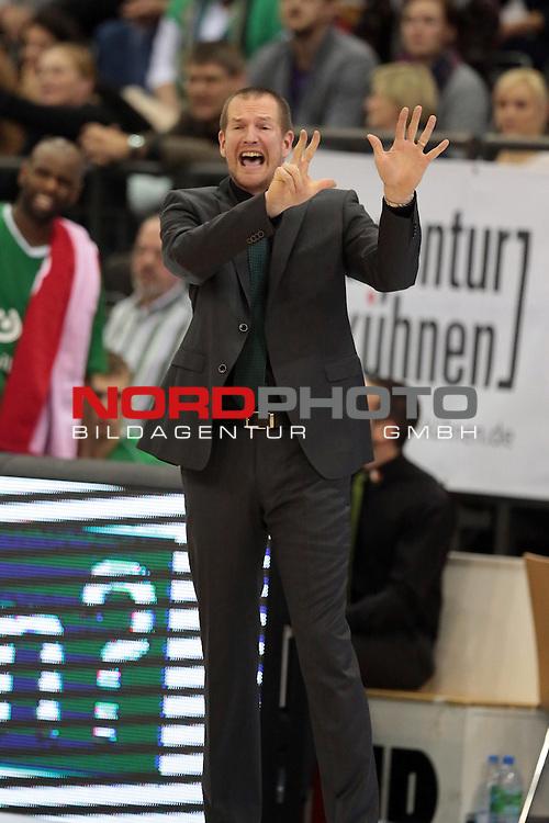 08.12.2013, Arena Trier, Trier, TBB Trier vs. S.oliver Baskets W&radic;ľrzburg, im Bild Henrik R&radic;&part;dl / Roedl (TBB Trier #Headcoach), Gestik, Mimik<br /> <br /> <br /> Foto &not;&copy; nordphoto / Schwarz *** Local Caption ***