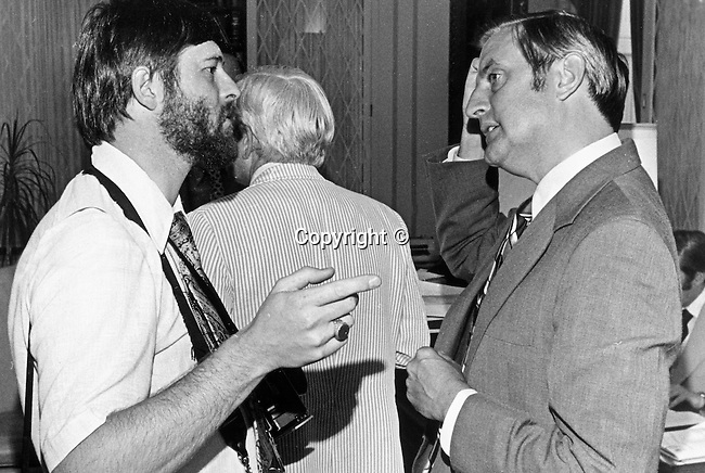 Ron Bennett Photojournalist talks with Vice President Walter Mondale, Ron Bennett and Vice President Walter Mondale,