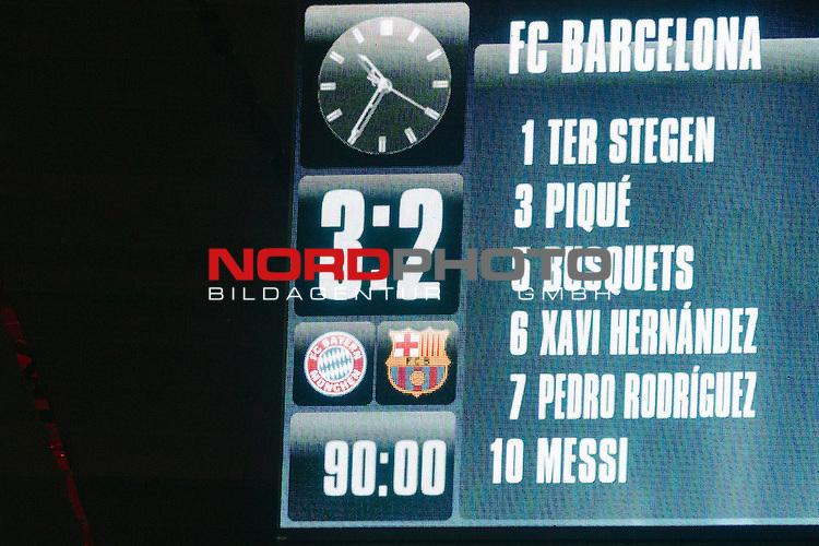 12.05.2015, Allianz Arena, Muenchen, GER, UEFA CL Halbfinale, FC Bayern Muenchen vs. FC Barcelona, im Bild entstand 3-2 auf der Anzeigetafel<br /> <br />  Foto &copy; nordphoto / Straubmeier