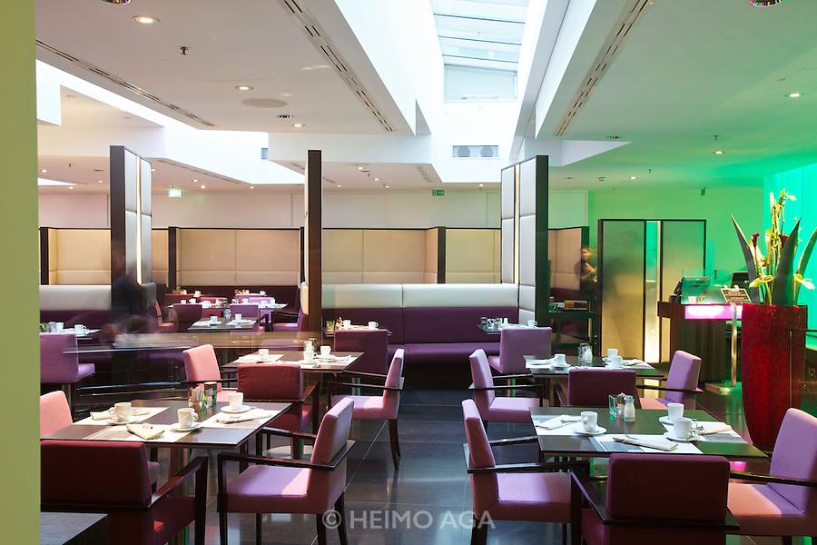 Vienna. Le Meridien Hotel. Restaurant Shambala.