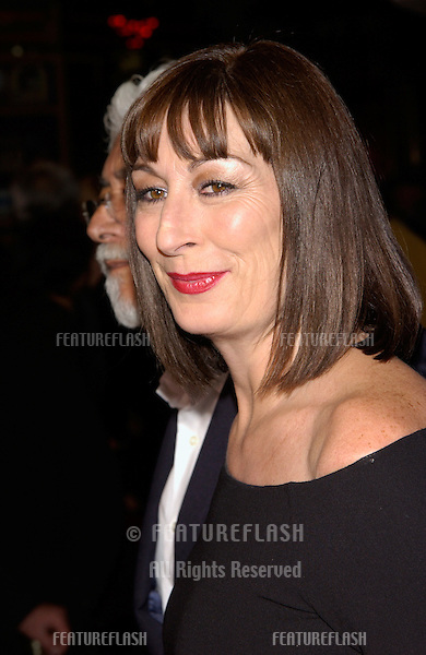 Actress ANJELICA HUSTON at the Hollywood premiere of her new movie The Royal Tenenbaums..06DEC2001..© Paul Smith/Featureflash