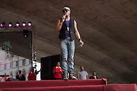 SAO PAULO, SP, 01 DE MAIO DE 2013 - FESTA CUT NO ANHANGABAÚ - Show do Belo durante Festa do Dia do Trabalho na Praça do Anhangabaú em São Paulo, nesta quarta-feira, 01. FOTO: MARCELO BRAMMER / BRAZIL PHOTO PRESS