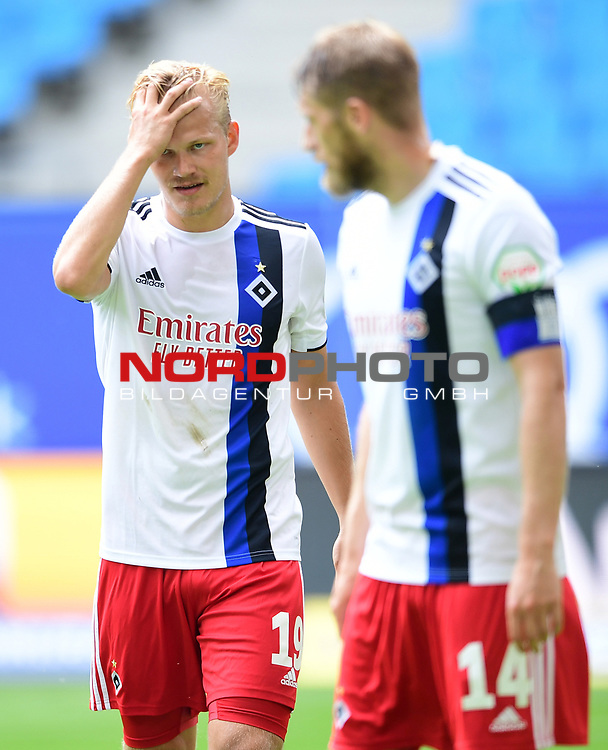 v.l. Joel Pohjanpalo, Aaron Hunt (HSV)<br />Hamburg, 28.06.2020, Fussball 2. Bundesliga, Hamburger SV - SV Sandhausen<br />Foto: Tim Groothuis/Witters/Pool//via nordphoto<br /> DFL REGULATIONS PROHIBIT ANY USE OF PHOTOGRAPHS AS IMAGE SEQUENCES AND OR QUASI VIDEO<br />EDITORIAL USE ONLY<br />NATIONAL AND INTERNATIONAL NEWS AGENCIES OUT
