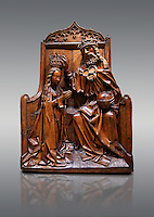 Gothic wood relief sculpture of the crwoning of of the Virgin Mary in the central European sgchiool style, end of 15th Century.  National Museum of Catalan Art, Barcelona, Spain, inv no: MNAC  5270.