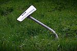 NIEUWEGEIN - Half omver gereden parkeerbordje bij de parkeerplaats van technische dienstverlener Imtech met daarop de tekst: Imtech gereserveerd. COPYRIGHT TON BORSBOOM