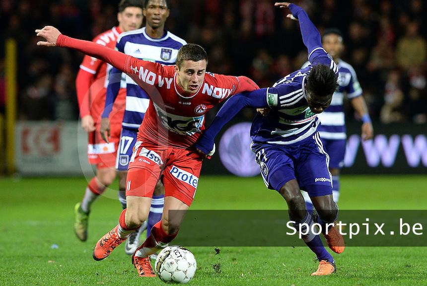 KV Kortrijk - RSC Anderlecht : Adam Marusic (links) in duel met Fabrice N'Sakala (r)<br /> Foto VDB / Bart Vandenbroucke