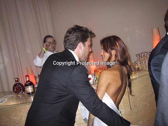 Ben Affleck and girlfriend<br />