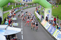 INLINE-SKATEN: STEENWIJK: Gagelsweg (start/finish), Schansweg, Meppelerweg, KPN Inline Cup, Klim van Steenwijk, 02-05-2012, Niels Mesu (#77 | in rood/wit), Michael Cheek (#532) en Kalon Dobbin (#506) op kop van het peloton, ©foto Martin de Jong
