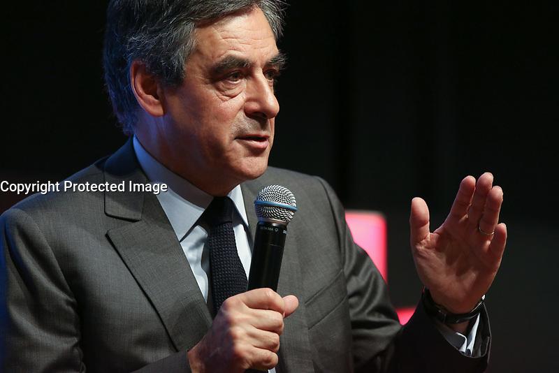 FRANCOIS FILLON, MEDEF LES MATINALES ENTREPRISES ET POLITIQUES DE LA PRESIDENTIELLE 2017 A L'ELYSEES BIARRITZ, PARIS, FRANCE, LE 28/03/2017.