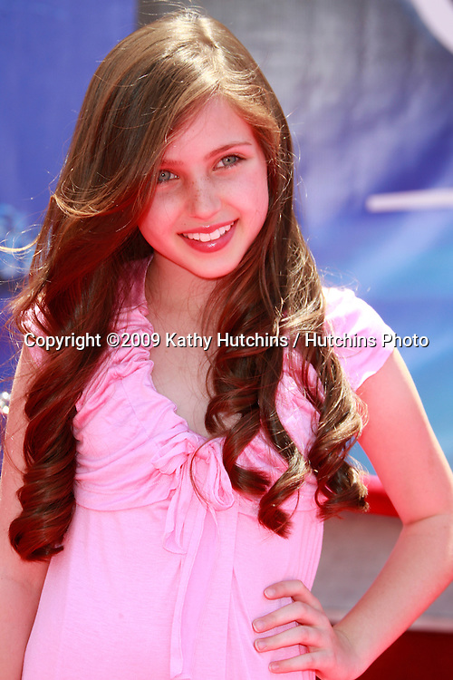 """Ryan Newman at the unvieling of his new Whalescape at the """"Earth"""" World Premiere.at the El Capitan Theatre.April 18, 2009 - Hollywood, California.©2009 Kathy Hutchins / Hutchins Photo....                ."""