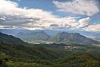 Paesaggio montuoso del varesotto con il Lago Maggiore sullo sfondo --- Mountainous landscape in the Province of Varese. The Lake Maggiore in the background