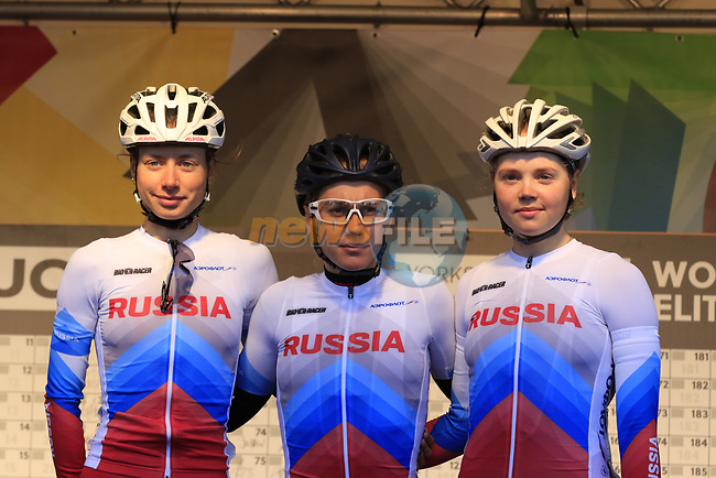 Russian team at sign on for the start of the Women Elite Road Race of the UCI World Championships 2019 running 149.4km from Bradford to Harrogate, England. 28th September 2019.<br /> Picture: Eoin Clarke | Cyclefile<br /> <br /> All photos usage must carry mandatory copyright credit (© Cyclefile | Eoin Clarke)