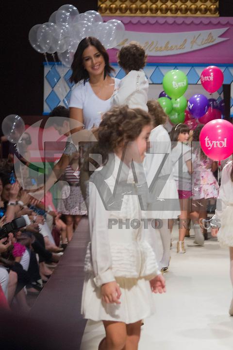 SÃO PAULO,SP,28.03.2015- FASHION WEEKEND KIDS -A esposa do apresentador Rodrigo Faro,Vera Viel e família durante o desfile da marca Tyrol,presente desde a primeira edição do evento.Shopping Cidade jardim,região sul da cidade de São Paulo nesse sábado,28.(FOTO:KEVIN DAVID/BRAZIL PHOTO PRESS)