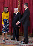 King Felipe VI of Spain (r) and Queen Letizia of Spain (l) receive Palestinian President Mahmoud Abbas. May 24 ,2017. (ALTERPHOTOS/Pool)