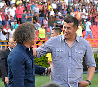 IBAGUÉ - COLOMBIA, 04-02-2018:Alberto Gamero (Izq.) director técnico del Deportes Tolima y Jorge Almirón (Der.) director técnico del Atlético Nacional  durante el partido entre el Deportes Tolima   y Atlético Nacional   por la fecha 1 de la Liga Águila II 2018 jugado en el estadio Manuel Murillo Toro en la  ciudad de Ibagué . / Alberto Gamero (L) coach of Deportes Tolima and Jorge Almiron coach of Atletico Nacional  during match between Deportes Tolima and Atletico Nacional  for the date 1 of the Aguila League II 2018 played at Manuel Murillo Toro  stadium . Photo: VizzorImage/ Juan Carlos Escobar  / Contribuidor