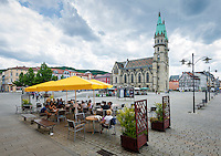 Germany; Free State of Thuringia, Meiningen: market square with town church | Deutschland, Freistaat Thueringen, Meiningen: Marktplatz mit evangelischer Stadtkirche Unserer Lieben Frauen