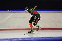 SCHAATSEN: HEERENVEEN: 05-10-2013, IJsstadion Thialf, Trainingwedstrijd, 5000m, Elma de Vries, ©foto Martin de Jong