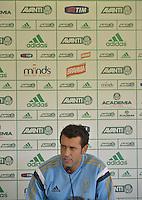SÃO PAULO. SP 16.05.2014. PALMEIRAS / COLETIVA ALBERTO VALENTIM - O tecnico do Palmeiras Alberto Valentim concede entrevista coletiva na Academia de Futebol região oeste nesta sexta-feira 16. ( Foto : Bruno Ulivieri / Brazil Photo Press )