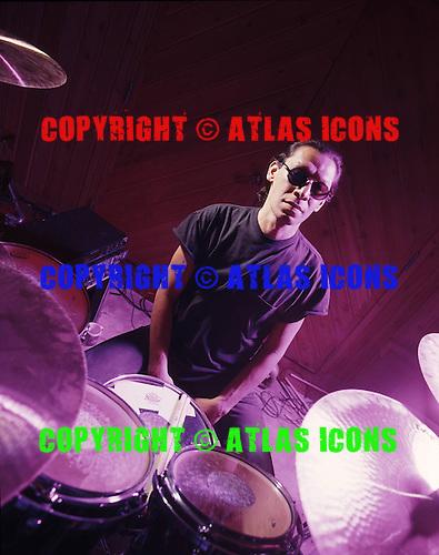 ALEX VAN HALEN, RECORDING STUDIO, 1997, NEIL ZLOZOWER