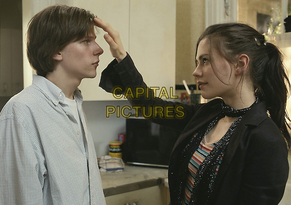 Jesse Eisenberg, Anna Paquin<br /> in The Squid and the Whale (2005)<br /> *Filmstill - Editorial Use Only*<br /> CAP/NFS<br /> Image supplied by Capital Pictures