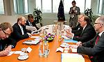 Bruessel-Belgien - 19. Juni 2013 -- Dr. Reiner HASELOFF (2.re), Ministerpraesident von Sachsen-Anhalt zu politischen Gespraechen in Bruessel; hier, im Europaeischen Parlament mit Martin SCHULZ (2.li) Praesident des EP -- Photo: © HorstWagner.eu