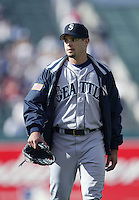 Joel Pineiro of the Seattle Mariners walks in from the bullpen before a 2002 MLB season game against the Los Angeles Angels at Angel Stadium, in Los Angeles, California. (Larry Goren/Four Seam Images)