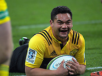 Leni Apisai scores during the Super Rugby match between the Hurricanes and Cheetahs at Westpac Stadium in Wellington, New Zealand on Saturday, 20 May 2017. Photo: Dave Lintott / lintottphoto.co.nz