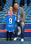 06.10.2019 Rangers v Hamilton: Amber Smith and dad Derek with Jermain Defoe's match shirt