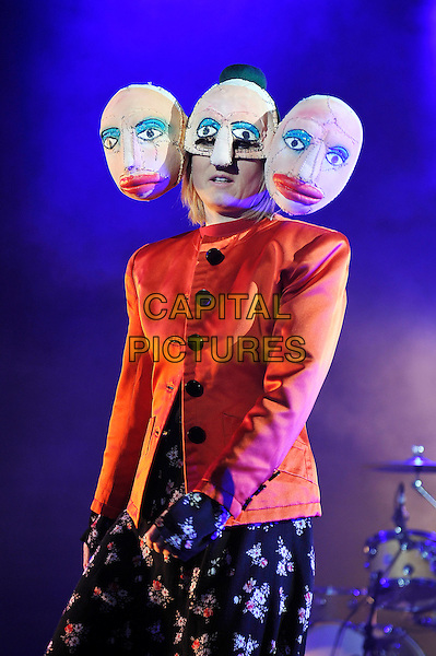 LONDON, ENGLAND - NOVEMBER 27: R&oacute;is&iacute;n Murphy performing at Eventim Apollo on November 27, 2015 in London, England.<br /> CAP/MAR<br /> &copy; Martin Harris/Capital Pictures