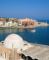 Greece, Crete, Chania: View over Venetian Harbour | Griechenland, Kreta, Chania: Venezianischer Hafen