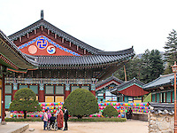 BuddhistischerTempel Woljeongsa, Provinz Gangwon-do, Südkorea, Asien<br /> buddhist temple Woljeongsa, province Gangwon-do, South Korea, Asia