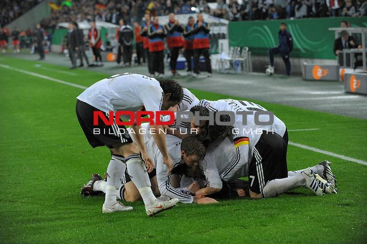 Fu&szlig;ball, L&auml;nderspiel, WM 2010 Qualifikation Gruppe 4 in M&ouml;nchengladbach ( Borussia Park ) <br />  Deutschland (GER) vs. Wales ( GB )<br /> <br /> 1:0 durch Piotr Trochowski ( Ger / Hamburger SV #14 Jubel <br /> <br /> Foto &copy; nph (  nordphoto  )<br />  *** Local Caption ***