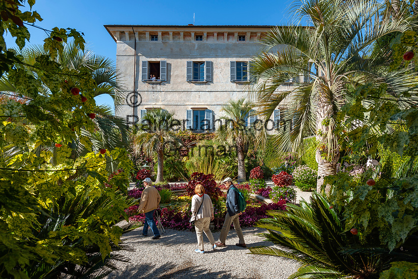 Italy, Piedmont, near Stresa: Isola Madre, the largest of the five Borromean Islands (Isole Borromee) of lake Lago Maggiore, park and family chapel of Palazzo Madre | Italien, Piemont, bei Stresa: Isola Madre, die groesste der fuenf Borromaeischen Inseln im Lago Maggiore, Park und  Palazzo Madre, heute ein Museum