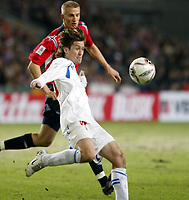 Fotball , 12. november 2005 , Play off , Norge - Tsjekkia 0-1<br /> Norway -  Czech Republic 0-1<br /> Tomas Rosicky , Tsjekkia og Brede Hangeland , Norge<br /> Norvegia Repubblica Ceca 0-1<br /> Andata Playoff qualificazioni mondiali 2006<br /> Photo Digitalsport / Insidefoto<br /> ITALY ONLY