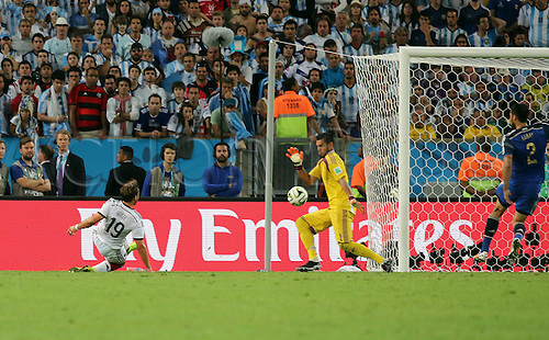 13.07.2014. Rio de Janeiro, Brazil. World Cup Final. Germany versus Argentina. Goetze's scores his goal for 1-0 past goalkeeper Romero  (Arg)