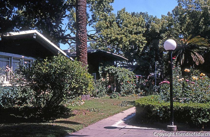 Pasadena CA: Bowen Court,  1913.