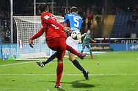 Furkan Zorba (Eintracht Frankfurt) gegen Sebastian Schachten (FSV Frankfurt)- 10.11.2016: FSV Frankfurt vs. Eintracht Frankfurt, Frankfurter Volksbank Stadion