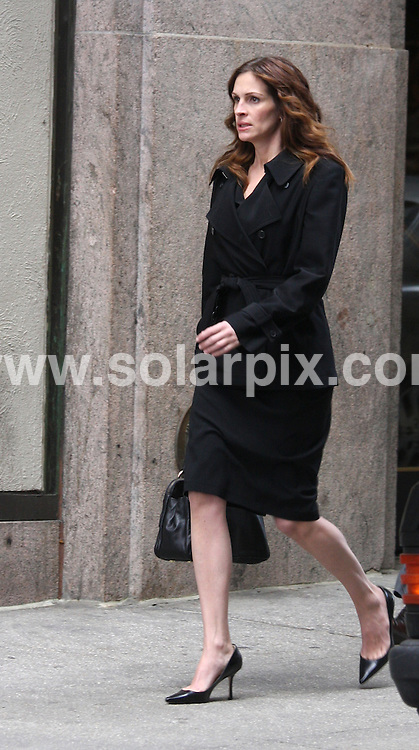 "**ALL ROUND PICTURES FROM SOLARPIX.COM**.**SYNDICATION RIGHTS FOR UK, SPAIN, PORTUGAL, AUSTRALIA, S.AFRICA & DUBAI (U.A.E) ONLY**.""Duplicity"" Filming on Location at Lord & Taylor in New York City, New York, USA. 14th April 2008..This pic: Julia Roberts..JOB REF: 6145 PHZ/Janet Mayer    DATE: 14_04_2008.**MUST CREDIT SOLARPIX.COM OR DOUBLE FEE WILL BE CHARGED* *UNDER NO CIRCUMSTANCES IS THIS IMAGE TO BE REPRODUCED FOR ANY ONLINE EDITION WITHOUT PRIOR PERMISSION*"