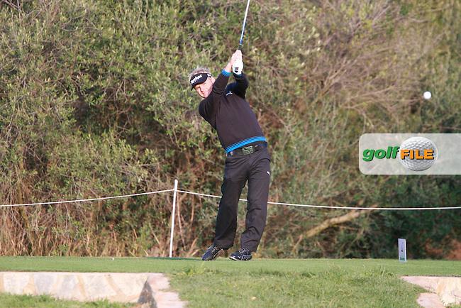 Soren Kjeldsen (DEN) tees off on the 4th tee during Thursday's Round 1 of the Castello Masters at the Club de Campo del Mediterraneo, Castellon, Spain, 20th October 2011 (Photo Eoin Clarke/www.golffile.ie)