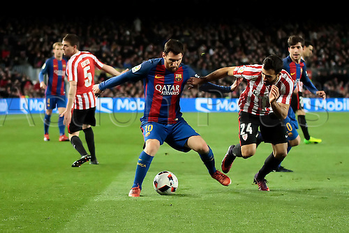 11.01.2017, Nou Camp, Barcelona, Spain. Copa del Rey, 2nd leg. FC. Barcelona versus Athletico Bilbao. Messi challenged by Balenziaga (bil)