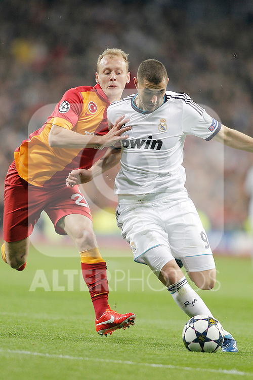 Real Madrid's Karim Benzema against Galatasaray's Semih Kaya during UEFA Champions League match. April 03, 2013. (ALTERPHOTOS/Alvaro Hernandez)