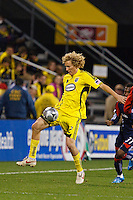 25 OCTOBER 2009:  Steven Lenhart of the Columbus Crew (32) during the New England Revolution at Columbus Crew MLS game in Columbus, Ohio on October 25, 2009.