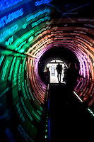 Nova Lima_MG, Brasil...Tunel com projecoes em Nova Lima, Minas Gerais...Tunnel with projections in Nova Lima, Minas Gerais...Foto: NIDIN SANCHES / NITRO