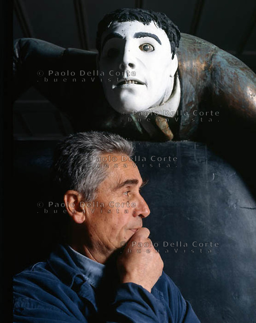 Giuliano Vangi, sculptor - Massa Carrara - 1995