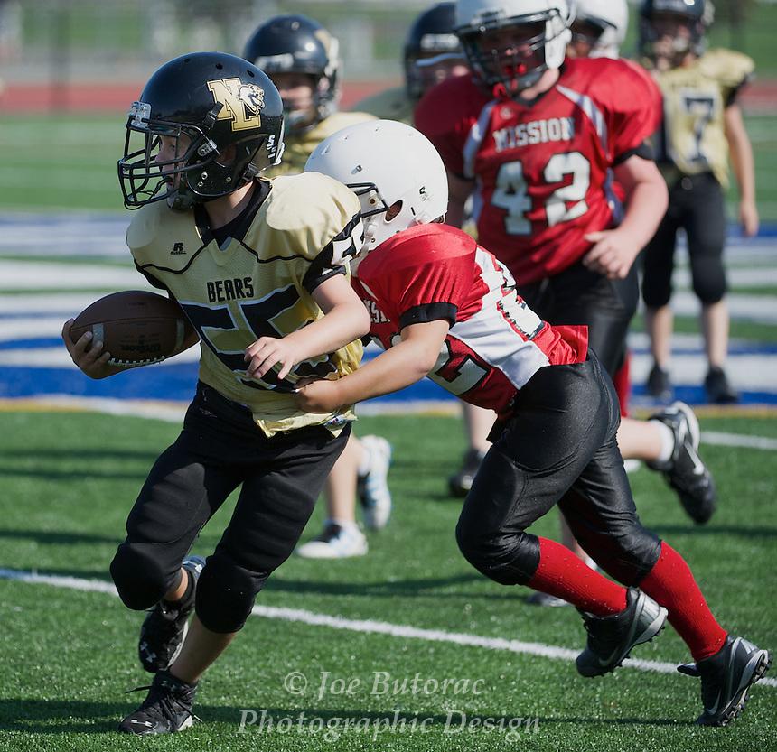 Mission 9'ers vs North Langley Bears Atom Golden Helmet Tournament