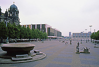 East Berlin: Looking south across Unter Den Linden to Marx-Engels-Platz and, to the left, the Palace of the People (Republic). Photo  '87.