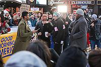 NEW YORK, NY, 02.12.2016 - JOHN-LEGEND - John Legend cantor e compositor norte-americano, vencedor do Oscar de Melhor Canção Original pela canção Glory é visto em programa de televisão na região da Times Square em New York nesta sexta-feira, 02. (Foto: William Volcov/Brazil Photo Press/Folhapress) NEW YORK, NY, 02.12.2016 - JOHN-LEGEND - John Legend cantor e compositor norte-americano, vencedor do Oscar de Melhor Canção Original pela canção Glory é visto em programa de televisão na região da Times Square em New York nesta sexta-feira, 02. (Foto: William Volcov/Brazil Photo Press)