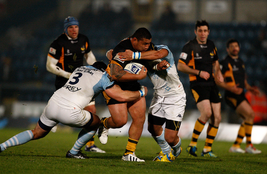 Photo: Richard Lane/Richard Lane Photography. London Wasps v Aviron Bayonne. Amlin Challenge Cup. 13/12/2012. Wasps' Zak Taulafo attacks.