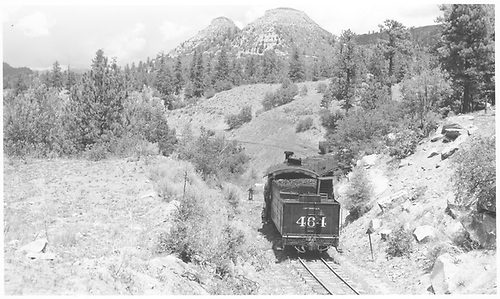 Leased D&amp;RGW #464 switching gondolas at Franklin Junction.<br /> RGS  Franklin Junction, CO  Taken by Richardson, Robert W. - 8/7/1950